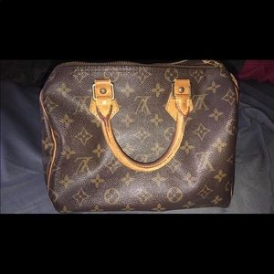 Authentic LV Speedy 25 or 30 not sure